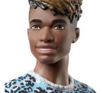 Boneco Ken Fashionistas - Bermuda Roxa - 153 - Barbie - Matt -
