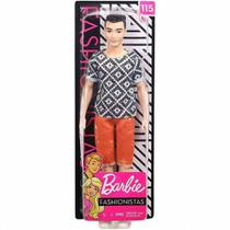 Boneco Ken Fashionistas Camiseta Desenhos e Bermuda Laranja - Barbie