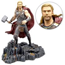 Boneco Thor Ragnarok 28cm Marvel Diamond Gallery - Original