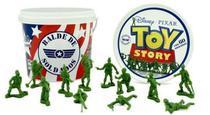 Brinquedo balde com 60 soldados toy story toyng -