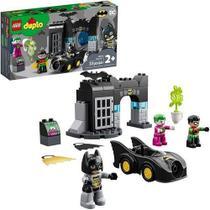 Brinquedo Infantil Blocos De Montar Batcaverna Batman Dc 33 Peças 10919 Lego -