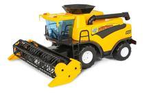 Brinquedo Infantil Colheitadeira Fazendeiro Amarelo Poliplac -