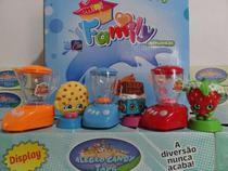 brinquedo kit c/6= 3 mini liquidificador 3 mini bonequinho - Om