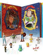 Brinquedo Toy Story com 10 Miniaturas Livro Cenário Gigante - Melhoramentos