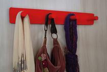 Cabideiro de Parede Porta Bolsas Tolhas Mochilas Pinos - Vermelho Laca - Formalivre