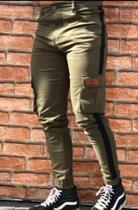 Calça Jogger /kawipii/masculino/tamanho 46/cor verde militar c/faixa preta e bolso na lateral -
