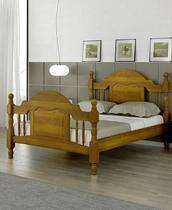 Cama de Casal Caribe Pezeira Alta de Madeira Maciça Pinus - Bedroom