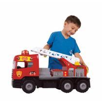 Caminhão Som e Luz Super Bombeiro Resgate com capacete - Magic Toys