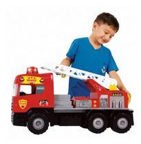 Caminhão Super Bombeiro Com Capacete Magic Toys Brinquedo -