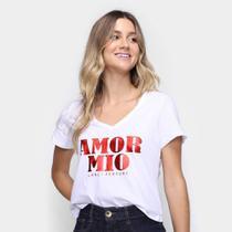 Camiseta Lança Perfume Amor Mio Gola V Feminina -