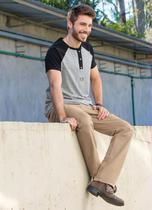 Camiseta Maculina Mangas Curtas Raglan Preta e Mescla com Peitilho - Queima De Estoque