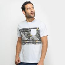 Camiseta Mood Folhas Masculina -