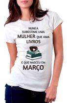 Camiseta Mulher Que Ama Livros E Que Nascem Lenda Rainha - Vetor camisaria