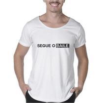 "Camisetas Masculinas Long Line Estampada ""SEGUE O BAILE"" - Suffix"