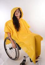 Capa de Chuva para Cadeirantes Amarela - Equal Moda Inclusiva