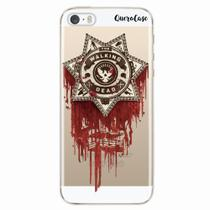 Capa para iPhone 5/5S Walking Dead Distintivo - Quero case