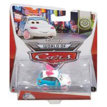 Carrinho Disney Cars 2 - Suki - 1:55 - Mattel -