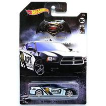 Carrinho Hot Wheels Dodge Charger 11 R/T Gothan City Police Departament: Batman Vs Superman FYX88GDG83/FYX88 - Mattel