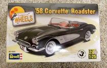Carro Chevy Corvette Roadster 1958 - REVELL -