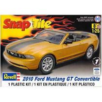 Carro Ford Mustang GT - 2010 - Convertible 1963 - REVELL AMERICANA -