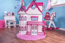 Casa de Bonecas Escala Barbie Modelo Emily Sonhos - Darama -