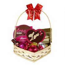 Cesta Romântica com Chocolates Variados Borússia Chocolates -
