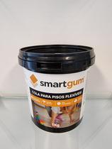 Cola Piso Vinílico Smartgum - Balde 1 Kg - Rende até 6m² -
