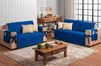 Conjunto jogo protetor de sofá 2 e 3 lugares azul royal com 4 almofadas bege - Brucebaby Bordados