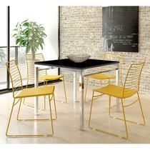 Conjunto Mesa 1525 Preta Cromada com 4 Cadeiras 1712 Color UV Amarela Carraro -