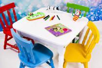 Conjunto mesa infantil scholl com 4 cadeiras - MÓVEIS SCHOLL desde 1970