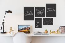 Conjunto Placas Decorativas Kit com 5 Mosaico Geométrico Borboleta Love / Gratidão / Familia Fundo Preto - Adoro Decor