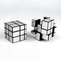 Cubo Mágico Mirror Blocks espelhado QiYi  prateado -