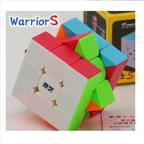 Cubo Mágico Profissional 3x3x3 Qiyi Warrior Stickerless -