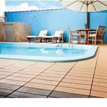 Deck sustentável de WPC 30x30cm liso ipê Massol -