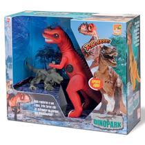 Dinossauro Tiranossauro Rex Com Som + 2 Dinossauros Pequenos - Beetoys