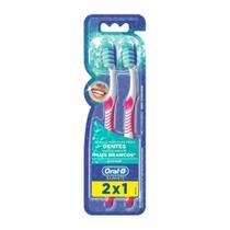 Escova Dental Oral-B 3D White Advantage 35 Leve 2 Pague 1 - Oral B