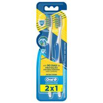 Escova Dental Oral-B Pro Saude Antibac 35 Leve 2 Pague 1 - Oral B