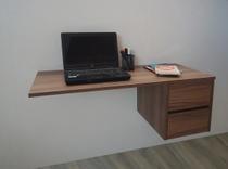 Escrivaninha Suspensa Mesa para Computador ou Notebook Cor Versati - Formalivre