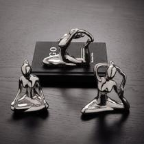 Escultura Yoga Meditando Porcelana Prata - Mart