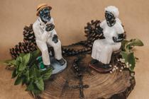 Esculturas  Pretos Velhos Casal 15 cm resina - Lua Mística - 100% Original - Loja Oficial