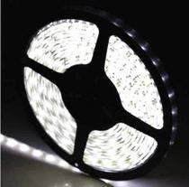 Fita super led 5mt 3528 branco frio 24w 12v 300 leds + fonte - Lcg Eletro