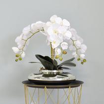 Flor Artificial Arranjo de Orquídeas Brancas no Vaso Prateado  Formosinha -