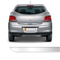 Friso Porta Malas Chevrolet Onix Cromado Resinado - Ura