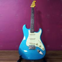 Guitarra Stratocaster Vintage SST62 Laked Placid Blue Azul Claro Metálico c/ Mint Green + Capa - SX -