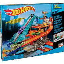Hot Wheels Super Lava Rápido - T3543 - Mattel -