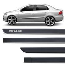 Jogo de Friso Lateral Tipo Borrachão Volkswagen Voyage Preto Fosco Grafia Personalizada - Inbraca