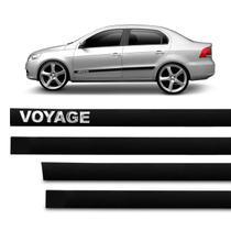 Jogo de Friso Lateral Tipo Borrachão Voyage G5 G6 G7 2009 a 2018 Preto 4 Portas Grafia Alto Relevo - Sanfil