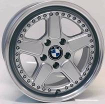 """Jogo de Rodas BMW clássica Aro 17"""" 4X100 - M14 - HD (prata diamantada) - Krmai"""