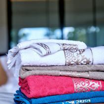 Jogo de toalha Lmpeter 02 Banho + 02 Rosto Ohana Felpuda -