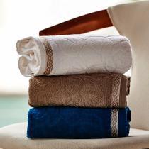 Jogo de toalha Lmpeter 02 Banho + 02 Rosto Sophia Felpuda -